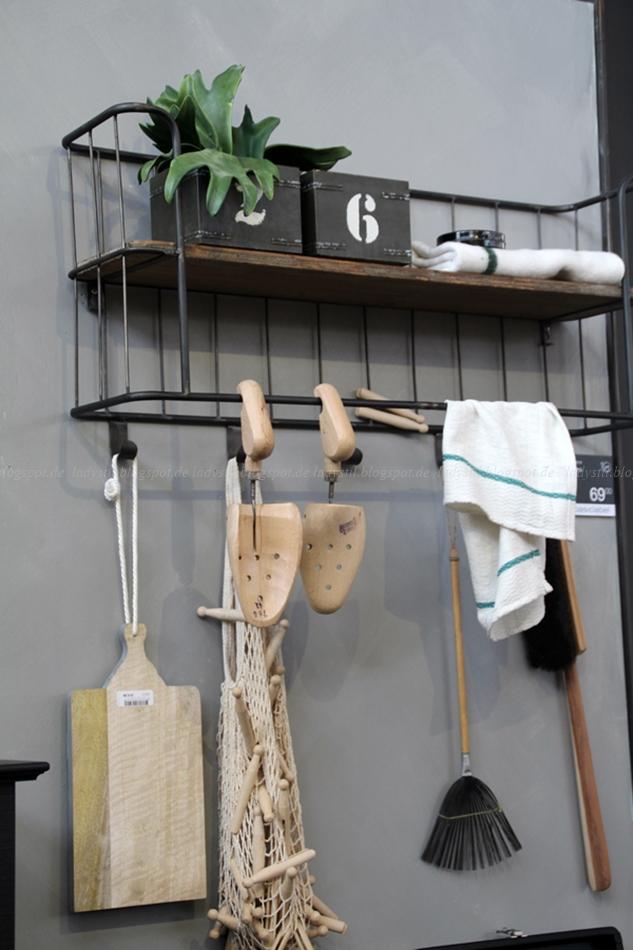 Be Pure Home Wandregal Industrielook mit Deko auf der Messe VT Wonen & Design Beurs 2015