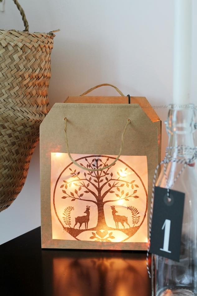 Lichterhaus aus einer Papiertüte