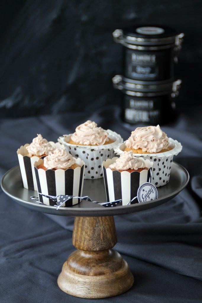 , Chai-Latte-Cupcakes mit Milkywayfüllung,