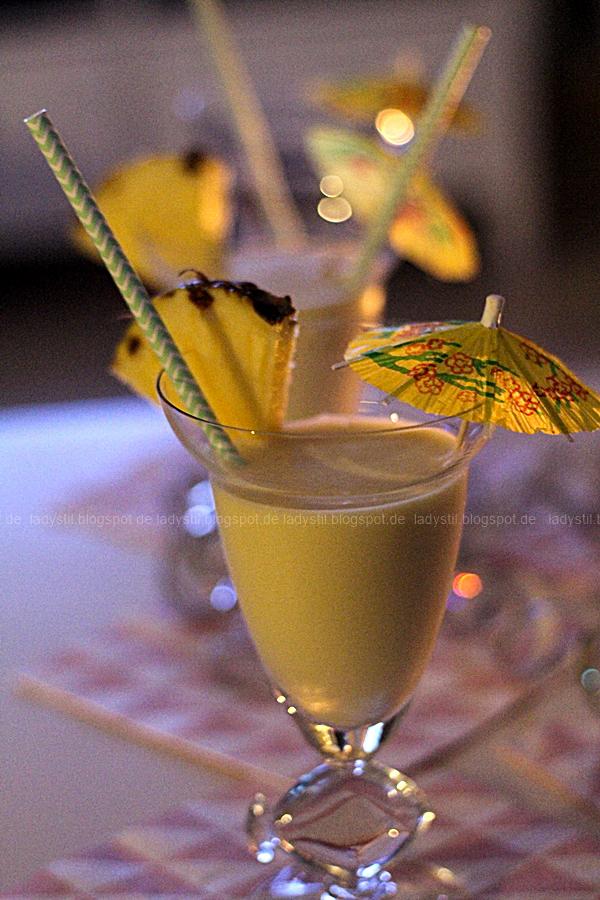 Wellness für Zuhause oder eine Mädels-Party im Spa-Tempel, selbstgemachter Lippenbalm und DIY Zitronen-Peeling, alkoholfreier Cocktail, Pina Colada