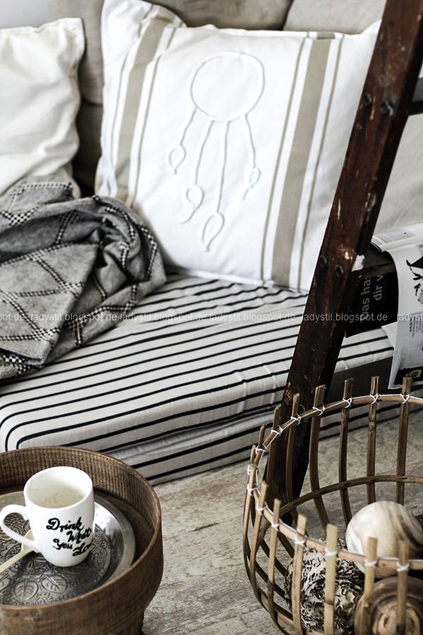 DIY pimp your pillow Bohostyle, Dreamcatcher, Wallsticker Boho, So schnell entsteht eine Indoor-Chill-Area, mit dickem Motive mit dickem Baumwollgarn auf Kissen nähen, Großansicht Kissenn mit Dreamcatcher, Traumfänger