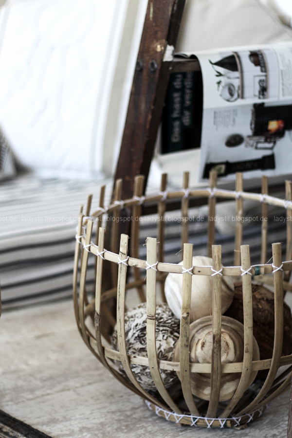 DIY pimp your pillow Bohostyle, Dreamcatcher, Wallsticker Boho, So schnell entsteht eine Indoor-Chill-Area, mit dickem Motive mit dickem Baumwollgarn auf Kissen nähen, Korb Tine K mit Holzkugeln bestückt