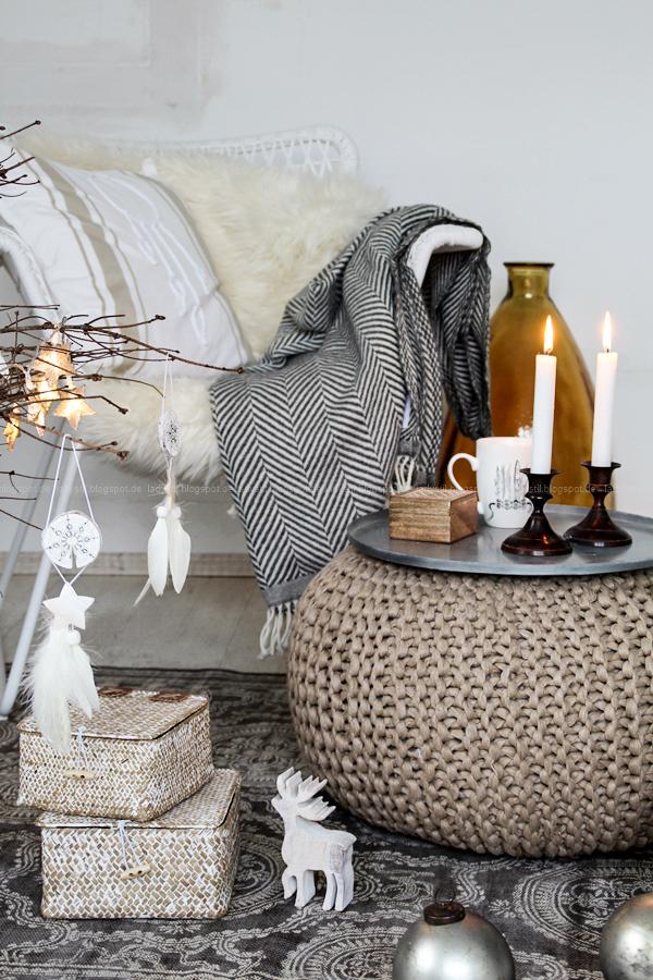 DIY Boho-Weihnachtsbaumanhänger, Boho meets Christmas, Bohemian Weihnacht, brauner Tannenbaum ohne Nadeln, Weiß, Braun, Holz, Bohostyle, New Boho,