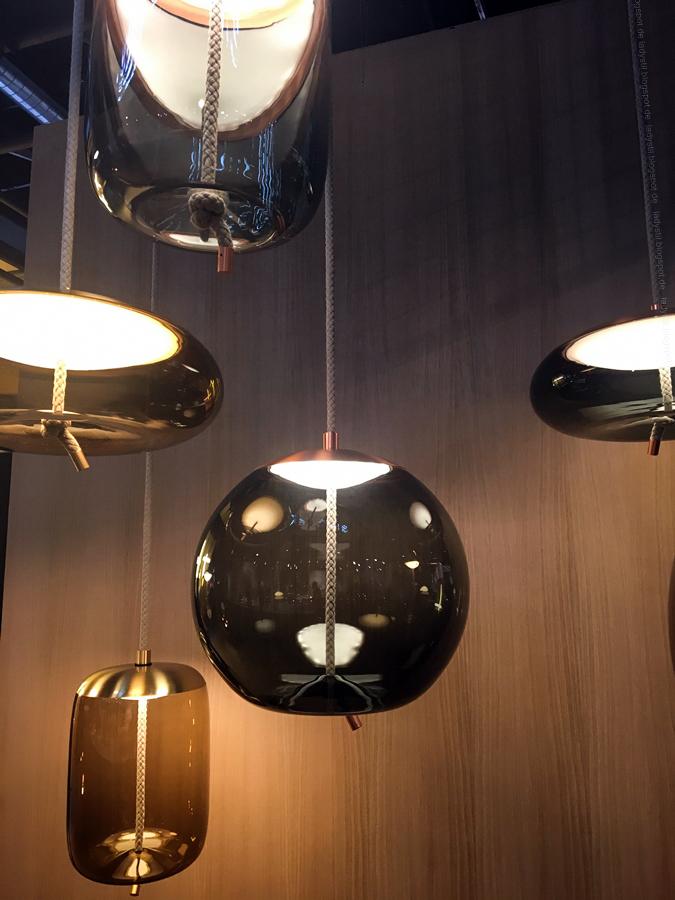 Lampen mit Seilaufhängung erinnert an Schifffahrt Internationalen Möbelmesse imm2017 in Köln mit Herstellern wie String, Vita, Bloomingville,Cane-line und Carolijn Slottje