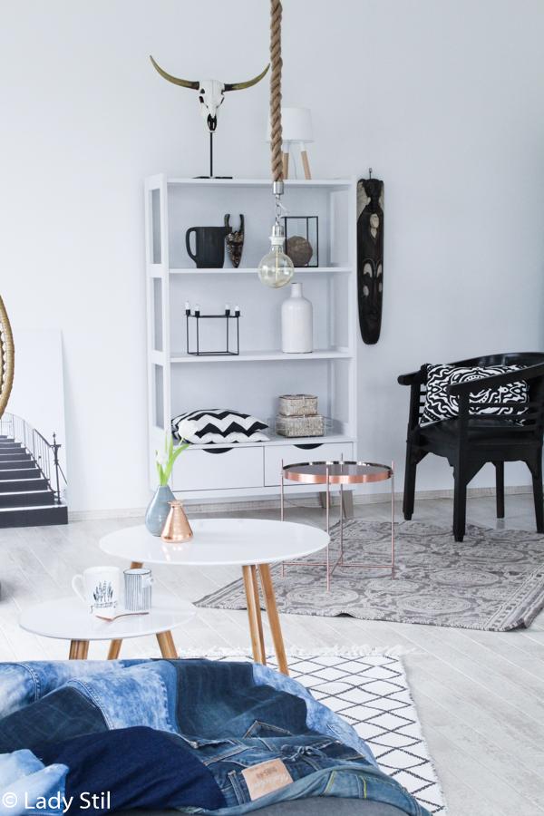 So gelingt der Mix von Skandinavischem Design und Boho-Elementen, Scandiboho oder New Boho Trend Report, Scandi Beistelltische, Kupfer Trend, kufperfarbener Beistelltisch, Highlights im Wohnzimmer setzen
