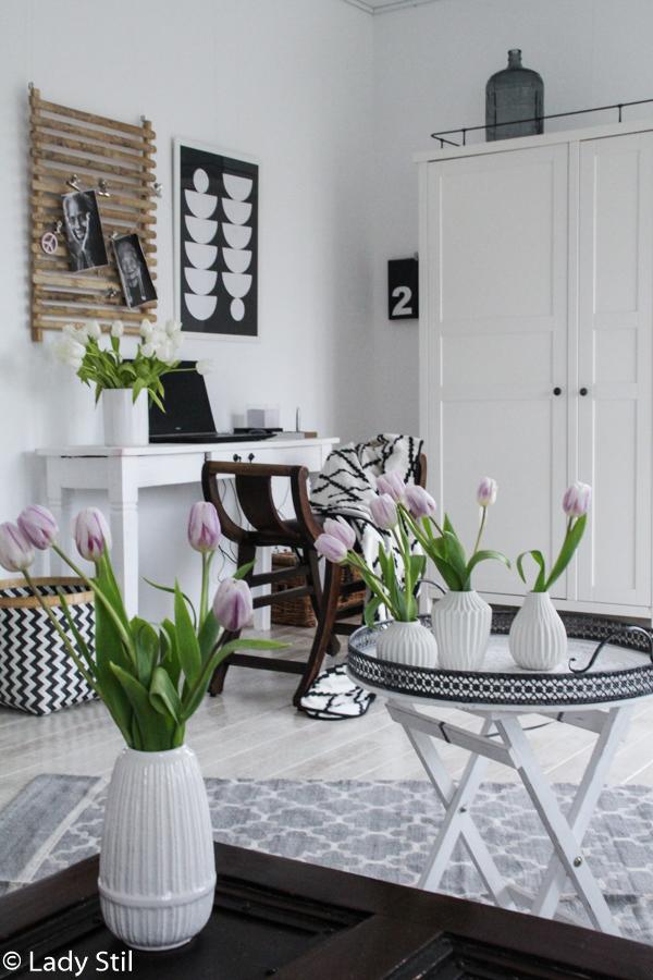Gestaltungsidee für eine freundliche Arbeitsumgebung, Office Interior, Weiß Schwarz Rosa