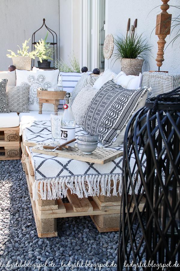 Palettenlounge selberbauen, Dekoideen für Terrasse und Garten,