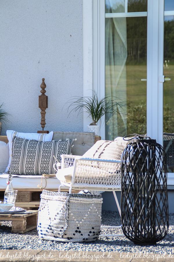Palettenlounge selberbauen, Dekoideen für Terrasse und Garten,Kissen Au Maison