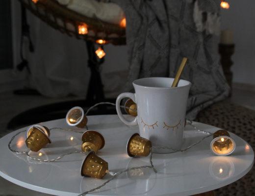 DIY Lichterkette Upcycling aus Nespresso Kapseln zur Weihnachtszeit