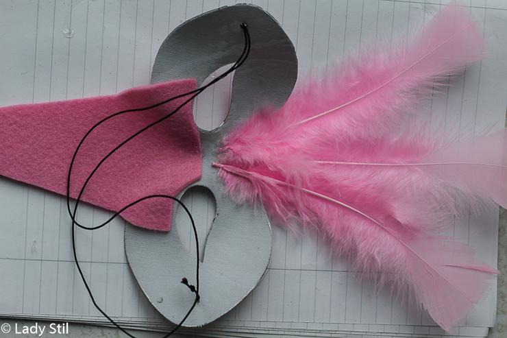 DIY Karnevalskostüm Flamingo Maske Füße