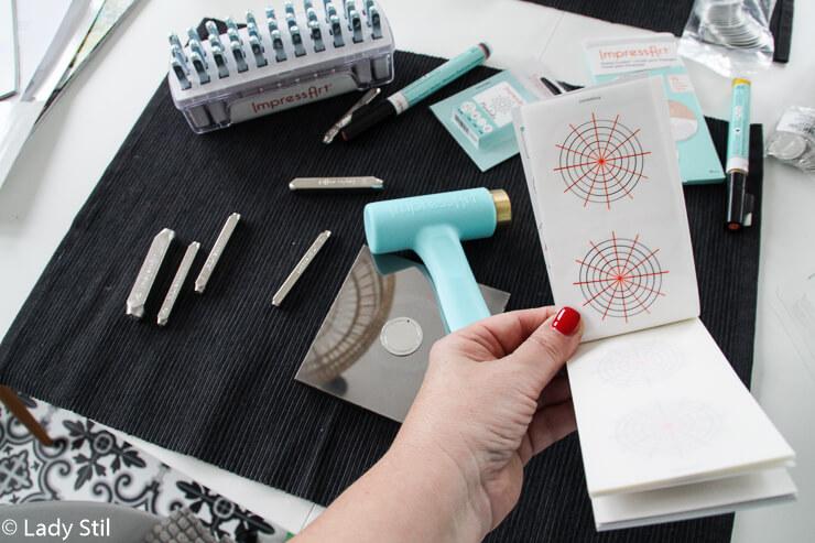 DIY Schmuck bestempeln Geschenkidee für jeden Anlass
