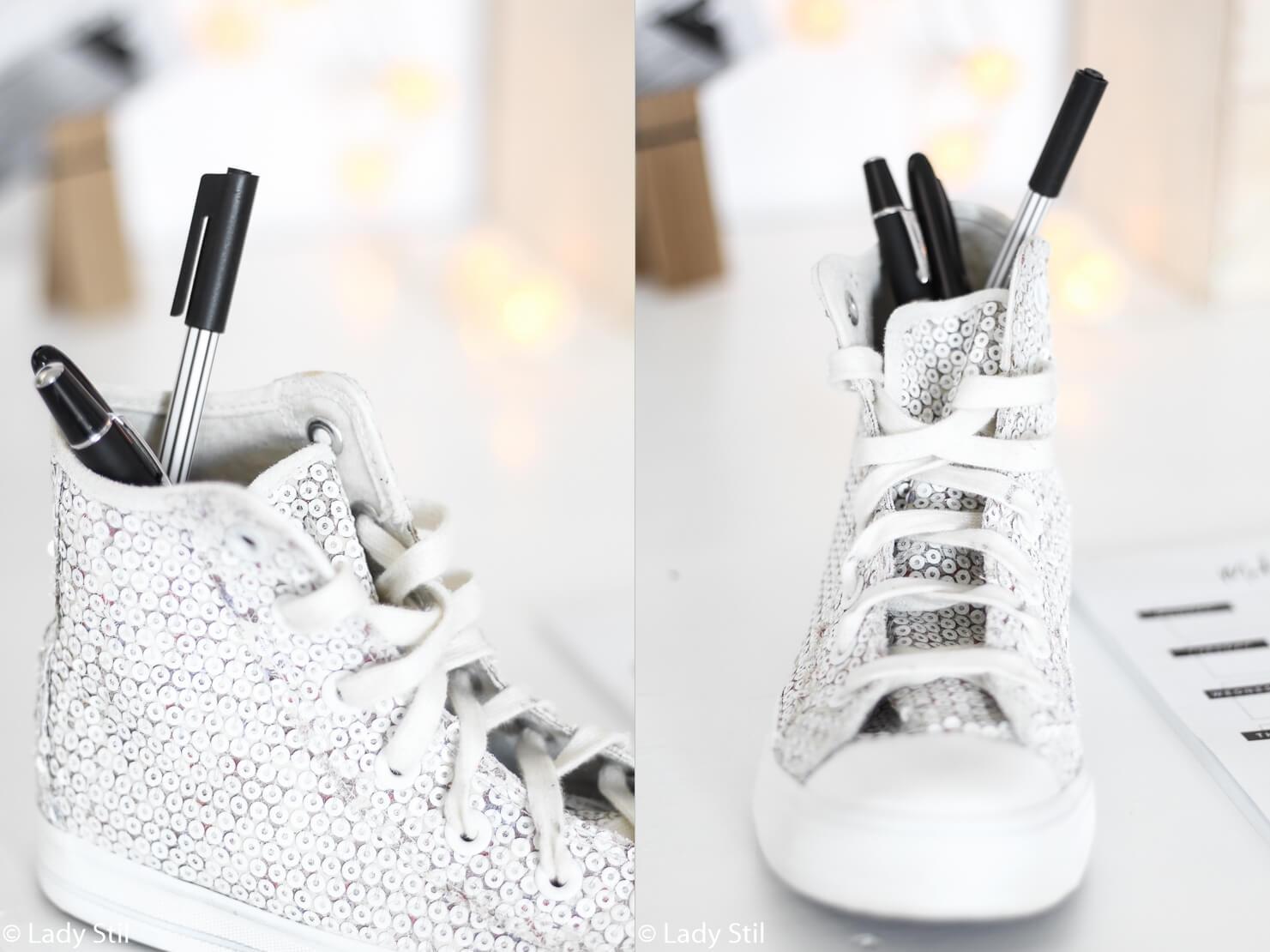 Schuhe als Stiftehalter