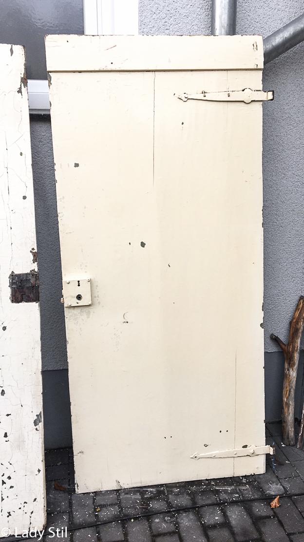 Upcycling alte Tür zum Schreibtisch
