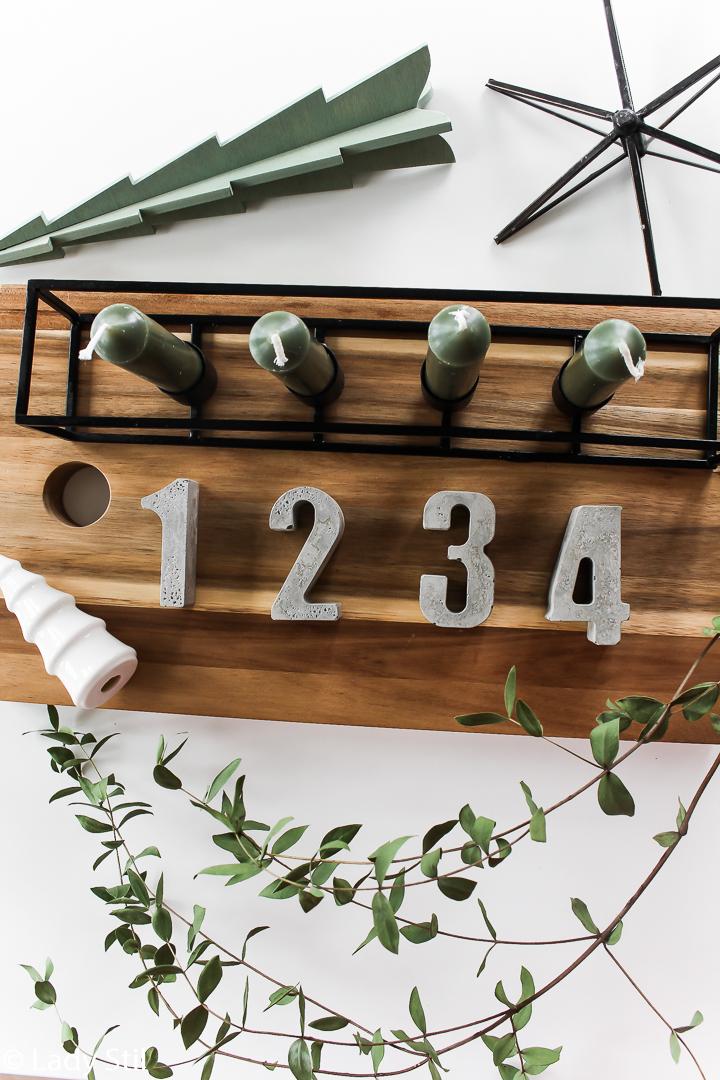 DIY Adventskranz mit Zahlen aus Beton