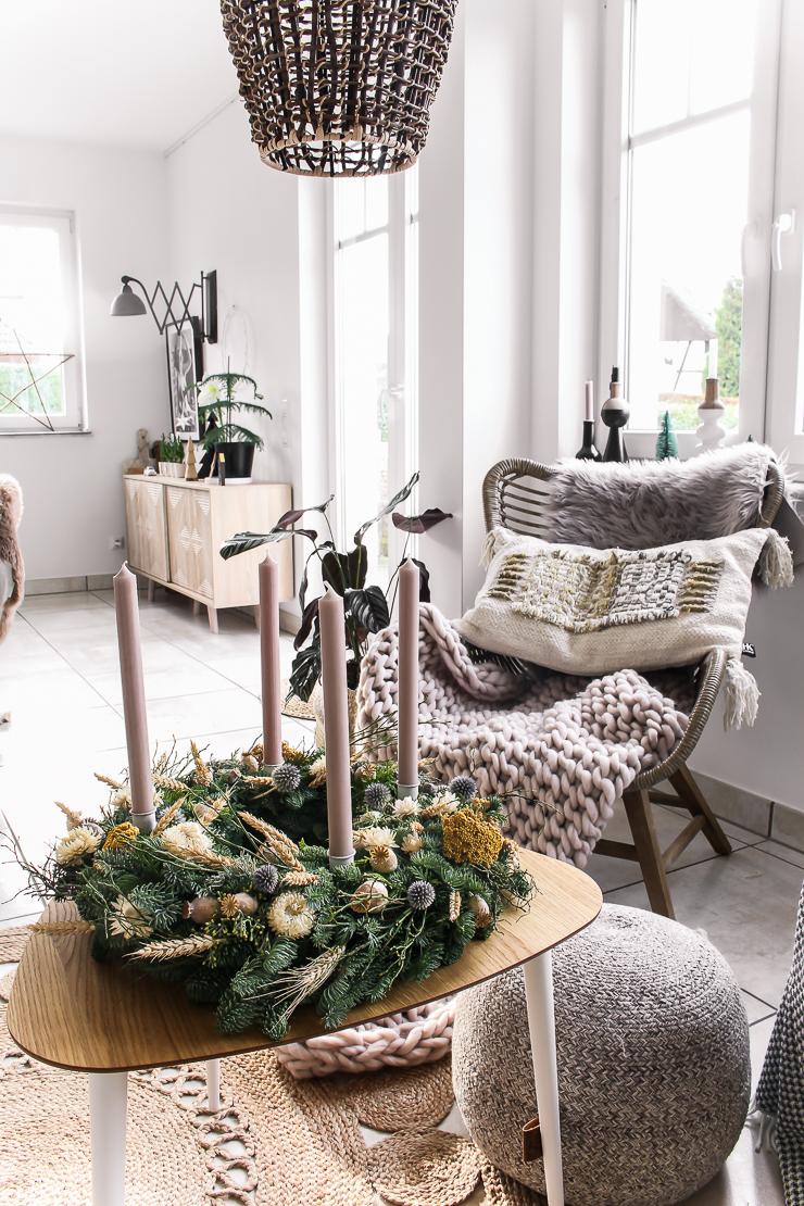 DIY Adventskranz mit Trockenblumen Strohblumen