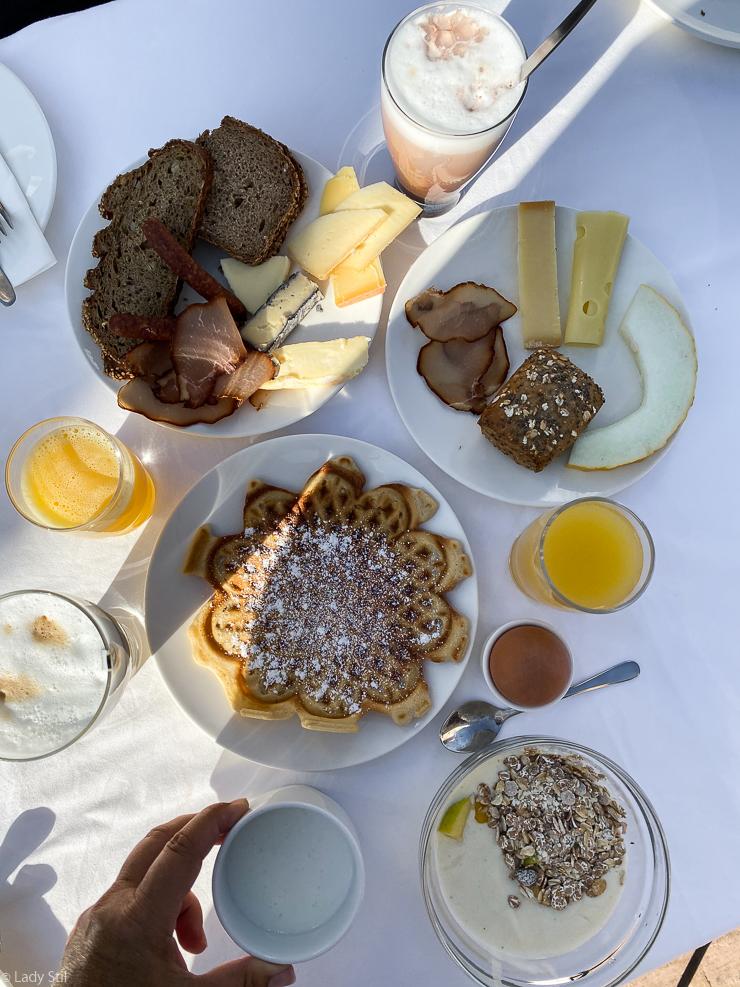 Auswahl vom Frühstücksbuffet
