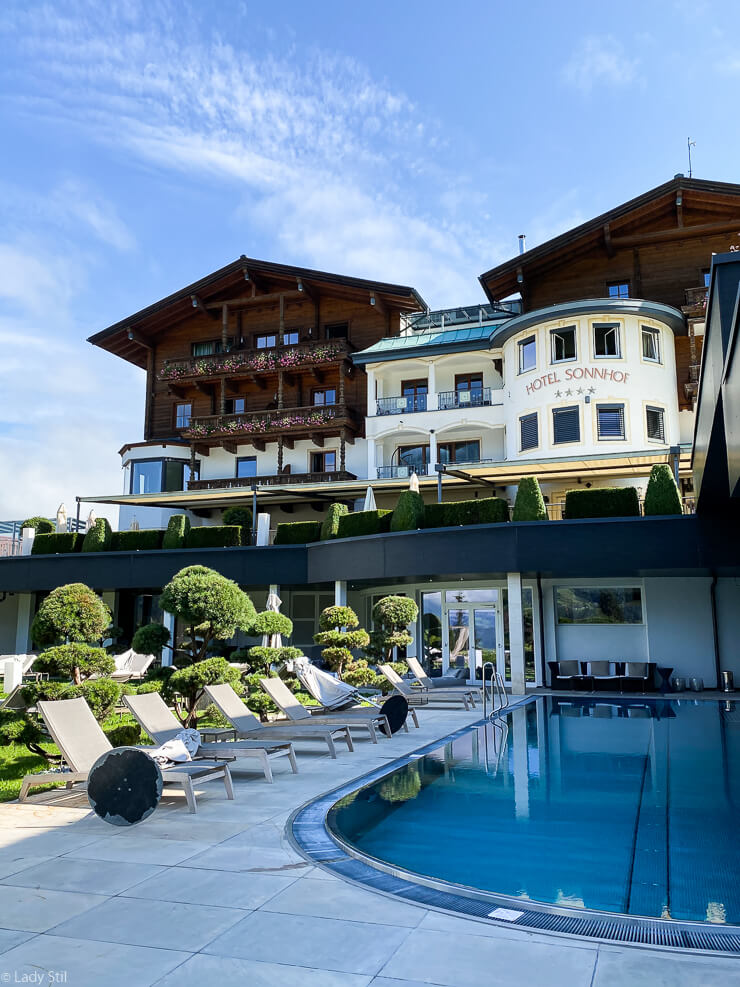 Hotel Sonnhof adults preferred Österreich Wellness Poolbereich Gartenanlage